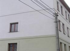 Byt 3+kk/T, Kladno, Partyzánská - pohled na dům