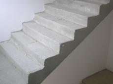 3. Bytový dům Kročehlavy - schodiště